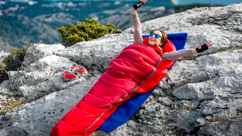 5 Best Sleeping Bag For Camping (Review) in 2021